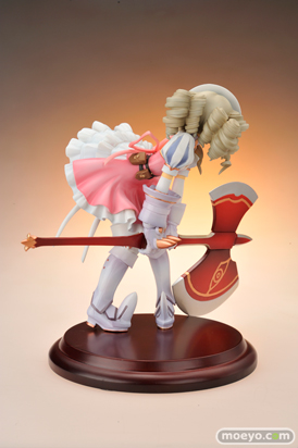 クレイズ クイーンズブレイド 鋼鉄姫ユーミル フィギュア 画像 レビュー 02