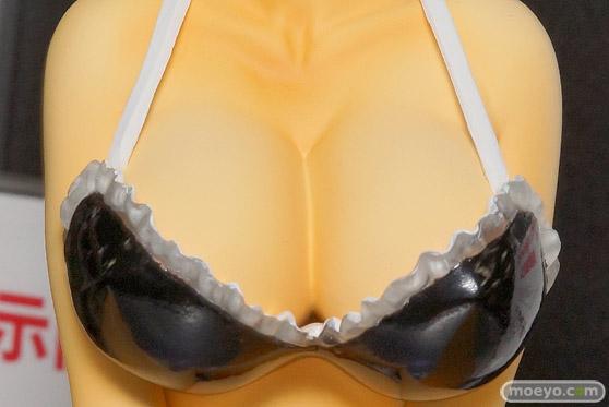 アイズ・プロジェクトの一騎当千 Extravaganza Epoch 呂布奉先 Beach Ver. ブラック(宮沢模型流通限定品)のフィギュアサンプル画像06
