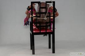エンブレイスジャパンのちゅ~かな猫と椅子のフィギュアサンプル画像05