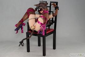 エンブレイスジャパンのちゅ~かな猫と椅子のフィギュアサンプル画像08