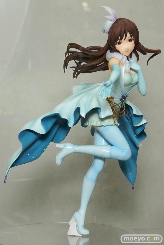 秋葉原の新作フィギュア展示の様子 新田美波 ルルティエ セイテン 01