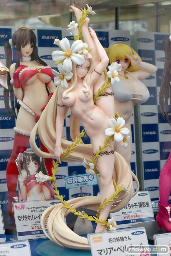 秋葉原での新作フィギュア展示の様子 花の妖精さん マリア・ベルナール 01