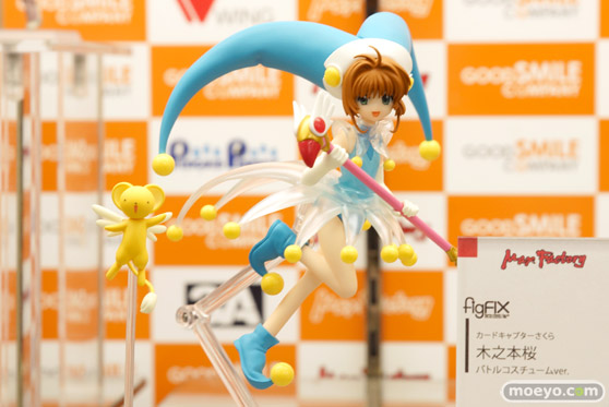 秋葉原での新作フィギュア展示の様子 花の妖精さん マリア・ベルナール 12