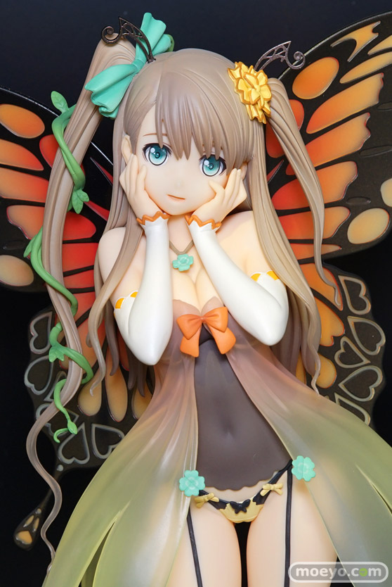 秋葉原での新作美少女フィギュアサンプル展示の様子 二条秋 小猫 ISバニー05