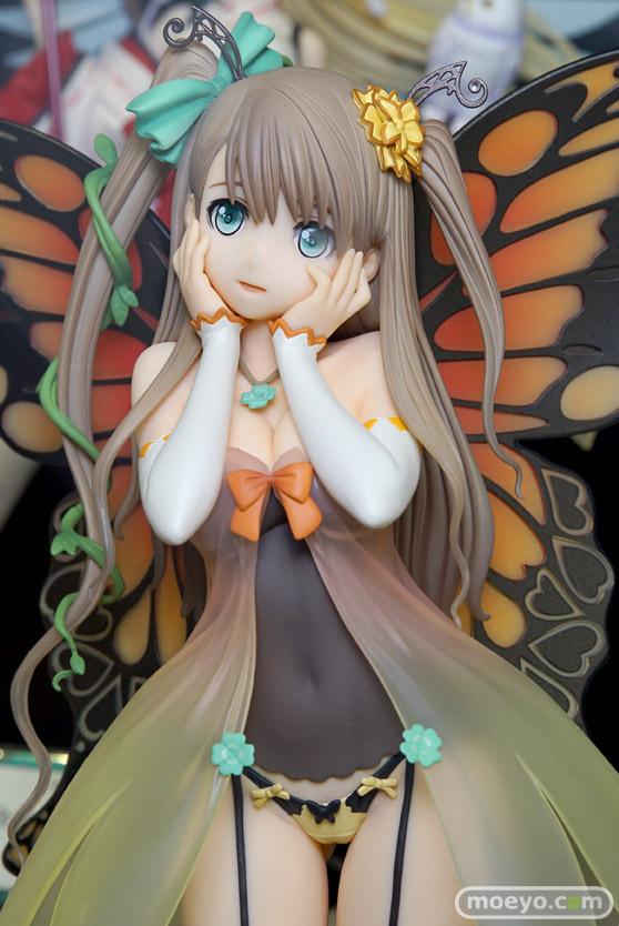 秋葉原の美少女フィギュア展示の様子 フリージア フェリシア カイ・ハーン ラブライブ!02