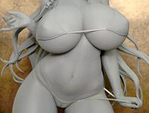オーキッドシード新作フィギュア「七つの大罪 マモン -いのうえたくやver.-」の監修中原型が展示