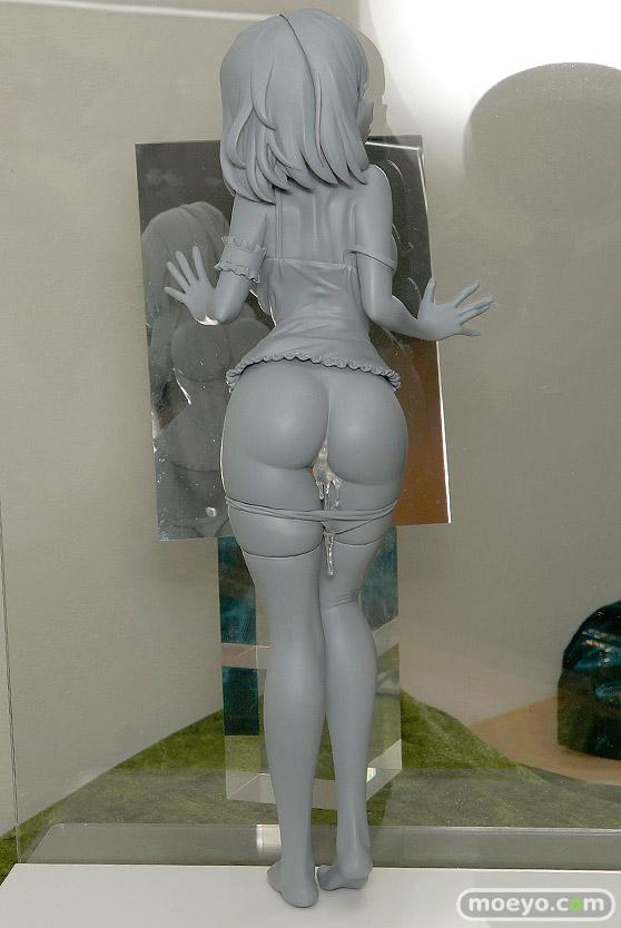 ネイティブの押し付け胸の女の子(仮) 石恵の新作フィギュア原型画像02