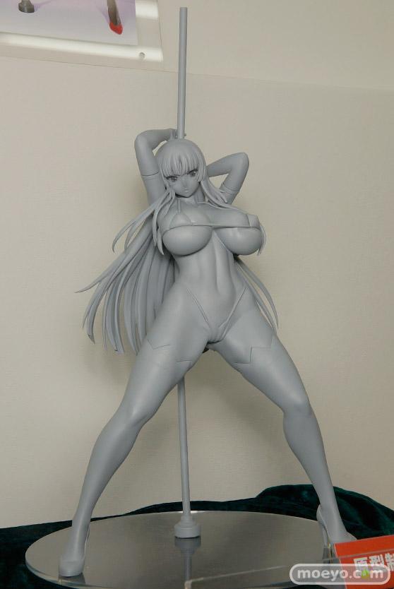 ロケットボーイのリリアナさんの新作フィギュア原型画像02