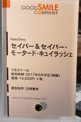 秋葉原の新作フィギュアの展示の様子09
