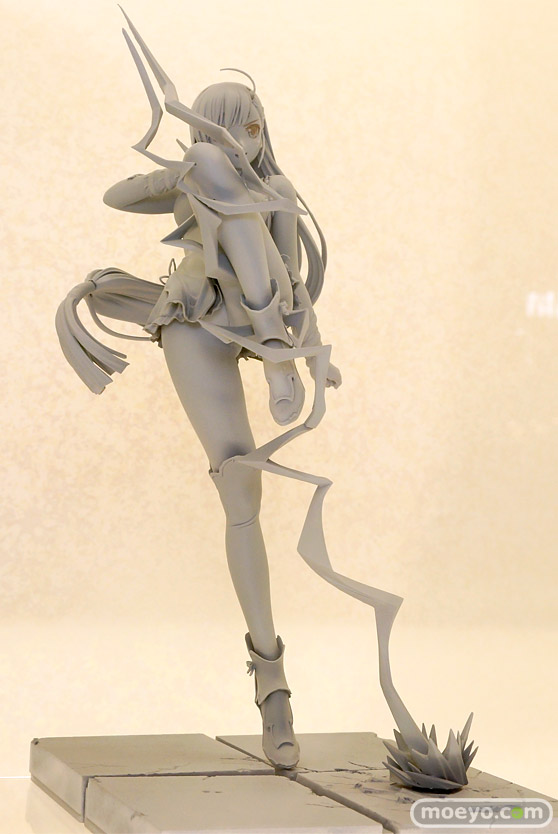 アクアマリンのブレードアークス from シャイニングEX 白き雲龍 パイロンの新作フィギュア原型画像02