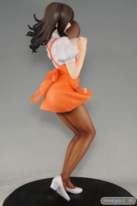 ドラゴントイの織田nonヒロインコレクションズ 若妻ウェイトレス 仁美の新作フィギュア彩色サンプル画像04