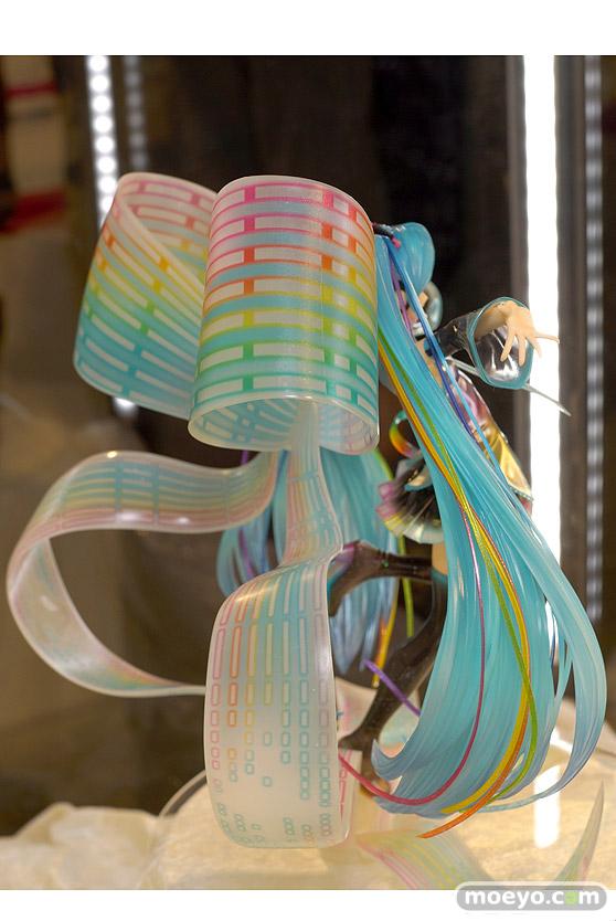グッドスマイルカンパニーの初音ミク 10th Anniversary Ver.の新作フィギュア彩色サンプル画像04