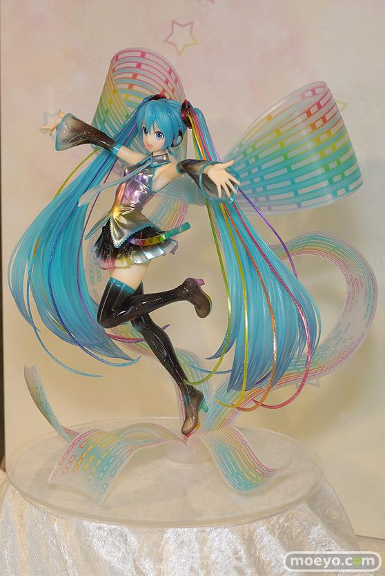 グッドスマイルカンパニーの初音ミク 10th Anniversary Ver.の新作フィギュア彩色サンプル画像05