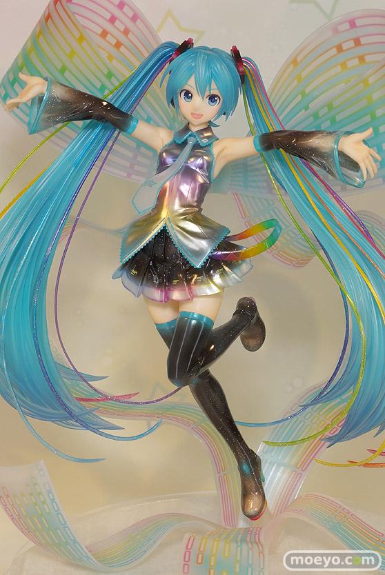 グッドスマイルカンパニーの初音ミク 10th Anniversary Ver.の新作フィギュア彩色サンプル画像06