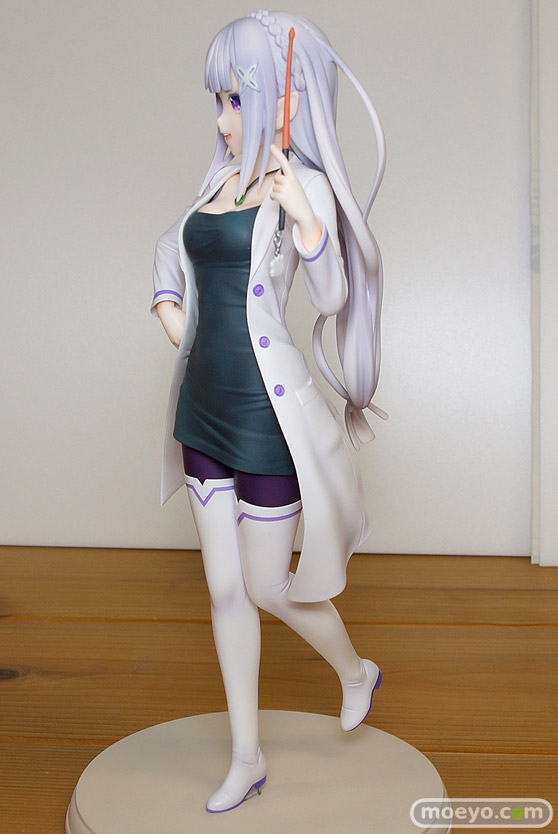 KADOKAWAのRe:ゼロから始める異世界生活 エミリア 教師Ver.の新作フィギュア彩色サンプル画像06