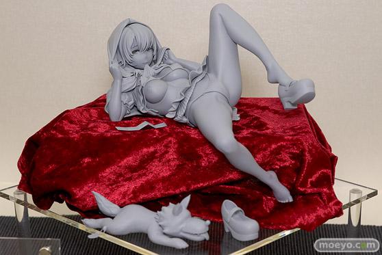 ロケットボーイのコミックEXE 03 ピンナップ 赤ずきんコスの女の子(仮) 掃除朋具 の新作フィギュア原型画像01