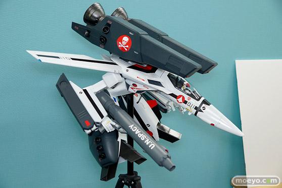 マックスファクトリーのPLAMAX MF-25 minimum factory VF-1 スーパー/ストライク ガウォーク バルキリーの新作プラモデル彩色サンプル画像02