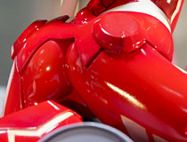 「エスカレイヤー」「キューポッシュ セイバー〔オルタ〕」「「ストリートファイター」 30周年記念フレーム切手セット」など 秋葉原の新作フィギュア展示の様子(2018年6月16日)