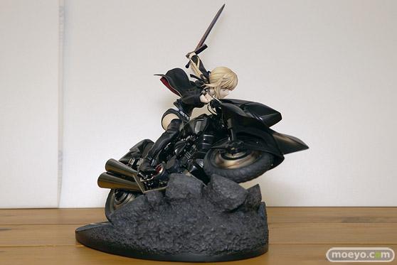グッドスマイルカンパニーの新作フィギュア Fate/Grand Order セイバー/アルトリア・ペンドラゴン〔オルタ〕&キュイラッシェ・ノワール の彩色サンプル画像05