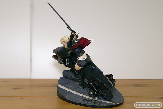 グッドスマイルカンパニーの新作フィギュア Fate/Grand Order セイバー/アルトリア・ペンドラゴン〔オルタ〕&キュイラッシェ・ノワール の彩色サンプル画像10