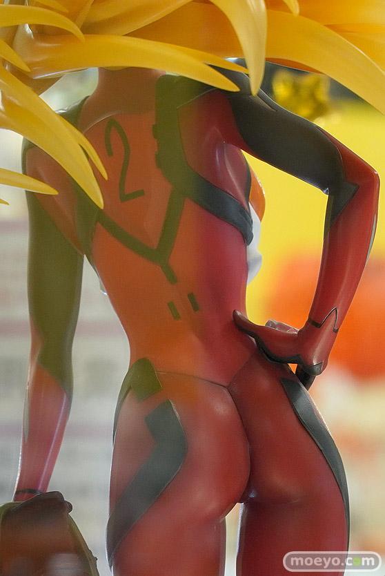 秋葉原の新作フィギュア展示の様子 06