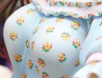 2020年2月発売予定!フリュー新作美少女フィギュア「彼女、お借りします 水原千鶴」彩色サンプルがアキバで展示!